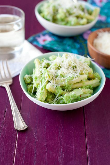 Broccoli Recipes You Need to Try: Broccoli Pesto Pasta Annie' Eats