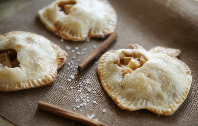 salted caramel mini apple pies for friendsgiving