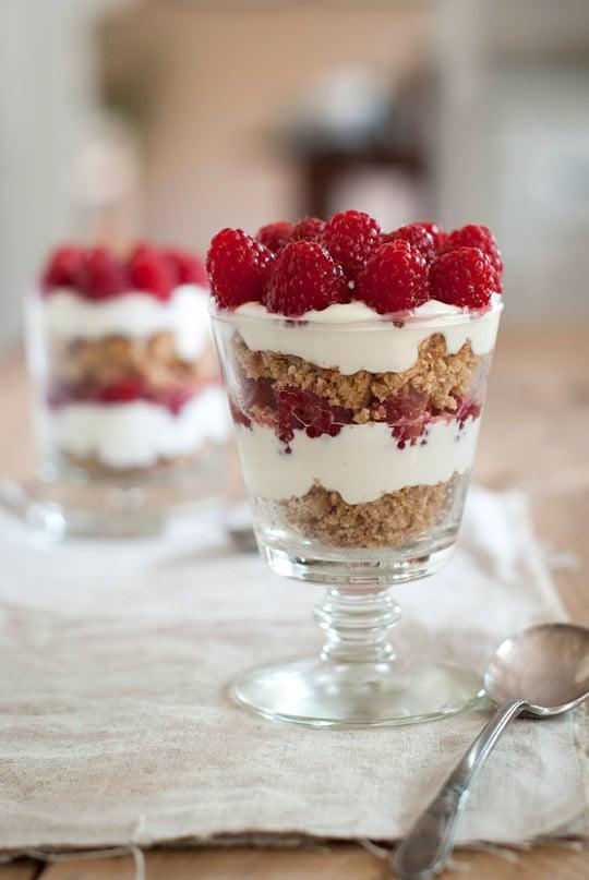 raspberry breakfast parfaits & healthy breakfast ideas