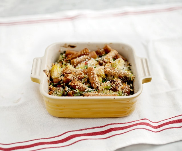 rigatoni with figs and brussels sprouts