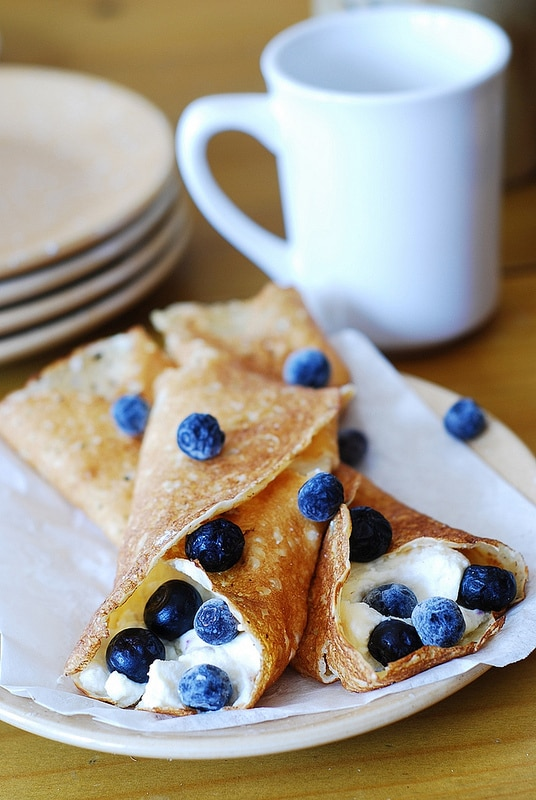 Sweet Crepe Recipes : crepes with ricotta cheese and blueberries