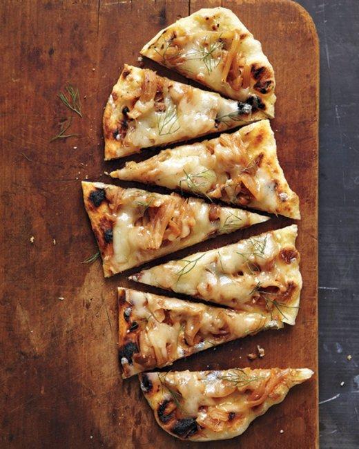 fontina fennel onion pizza