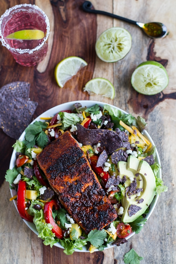 Easy Spring Dinner Ideas | Chile Lime Salmon Fajita Salad Cilantro Lime Vinaigrette