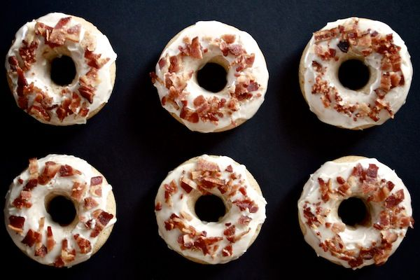 baked maple bacon donuts