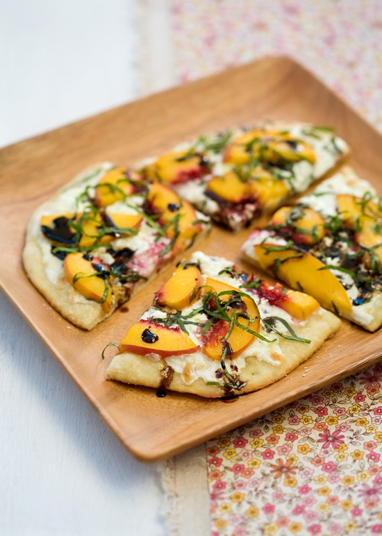 Delicious Summer Recipes : summer peach and balsamic pizza