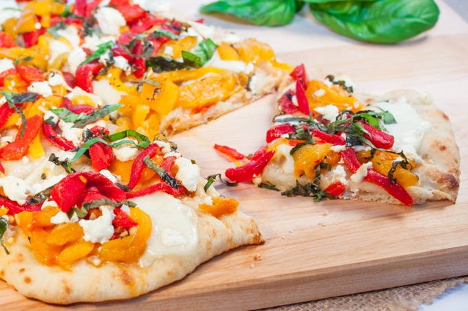 roasted pepper goat cheese flatbread