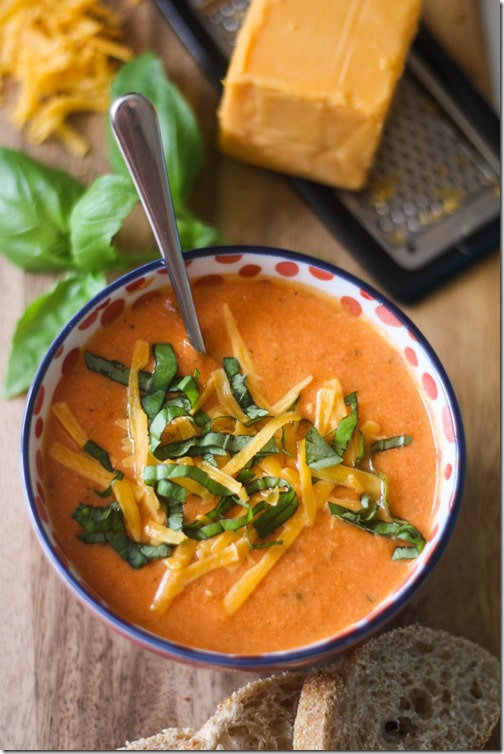 Simple Summer Recipes : Tomato, Basil and Cheddar Soup