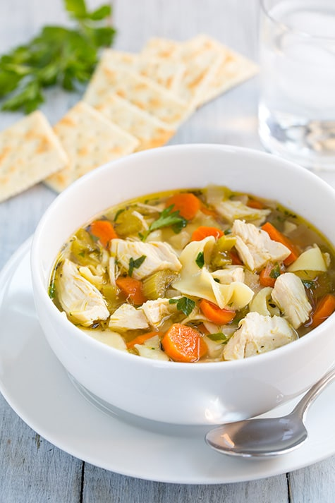 Healthy Crockpot Recipes Meal Plan : slow cooker chicken noodle soup + 4 other delicious crockpot recipes in this week's Fall meal plan | Rainbow Delicious