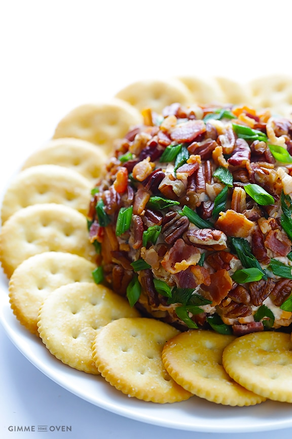 BBQ bacon cheeseball + 9 other delicious and unique game day snacks perfect for the Super Bowl | Rainbow Delicious