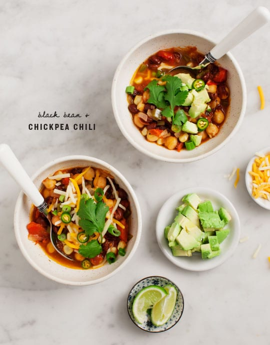 black bean and chickpea veggie chili + 4 other delicious recipes in this week's Winter meal plan | Rainbow Delicious