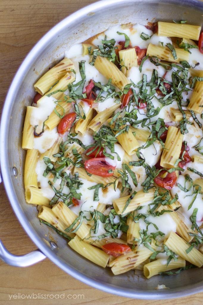 One-Pot Pasta Recipes- Caprese Pasta |Rainbow Delicious Meal Plan