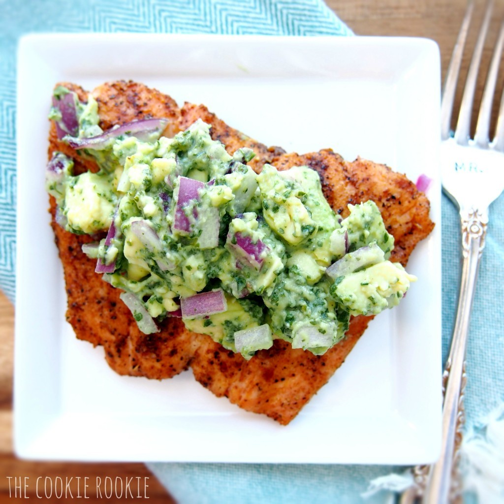 salmon with avocado salsa + 4 other delicious recipes in this week's whole30 and paleo compatible meal plan with free printable grocery shopping list