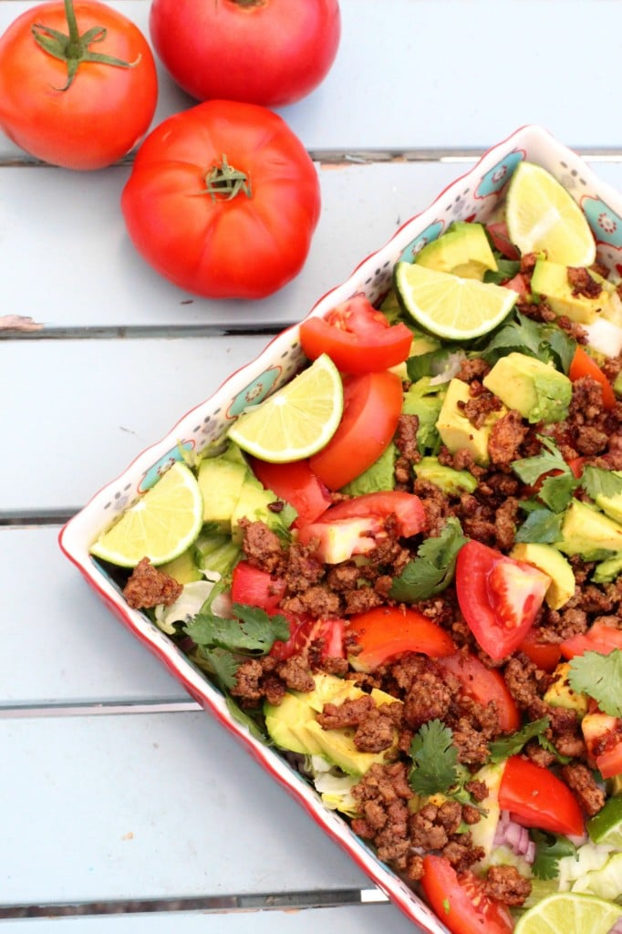 taco salad + 4 other delicious recipes in this week's whole30 and paleo compatible meal plan with free printable grocery shopping list