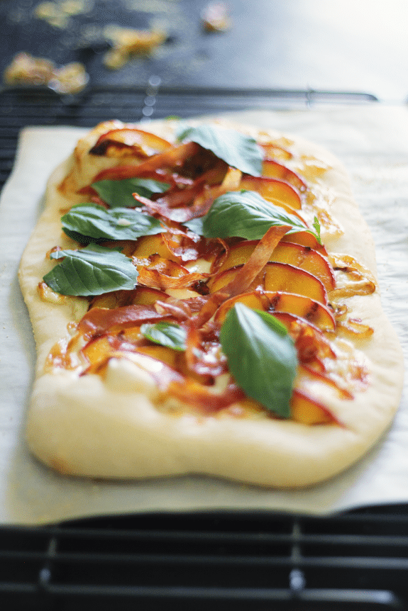 grilled peach pizza + 4 other delicious recipes in this week's spring meal plan | Rainbow Delicious