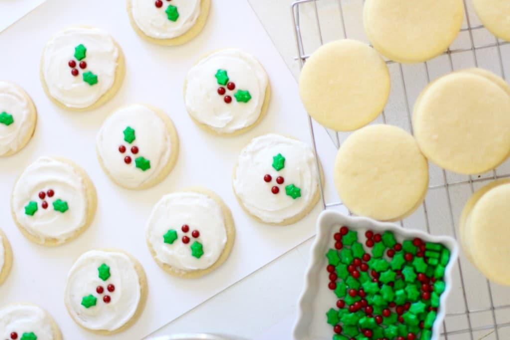 Holly Holiday Sugar Cookies I Rainbow Delicious