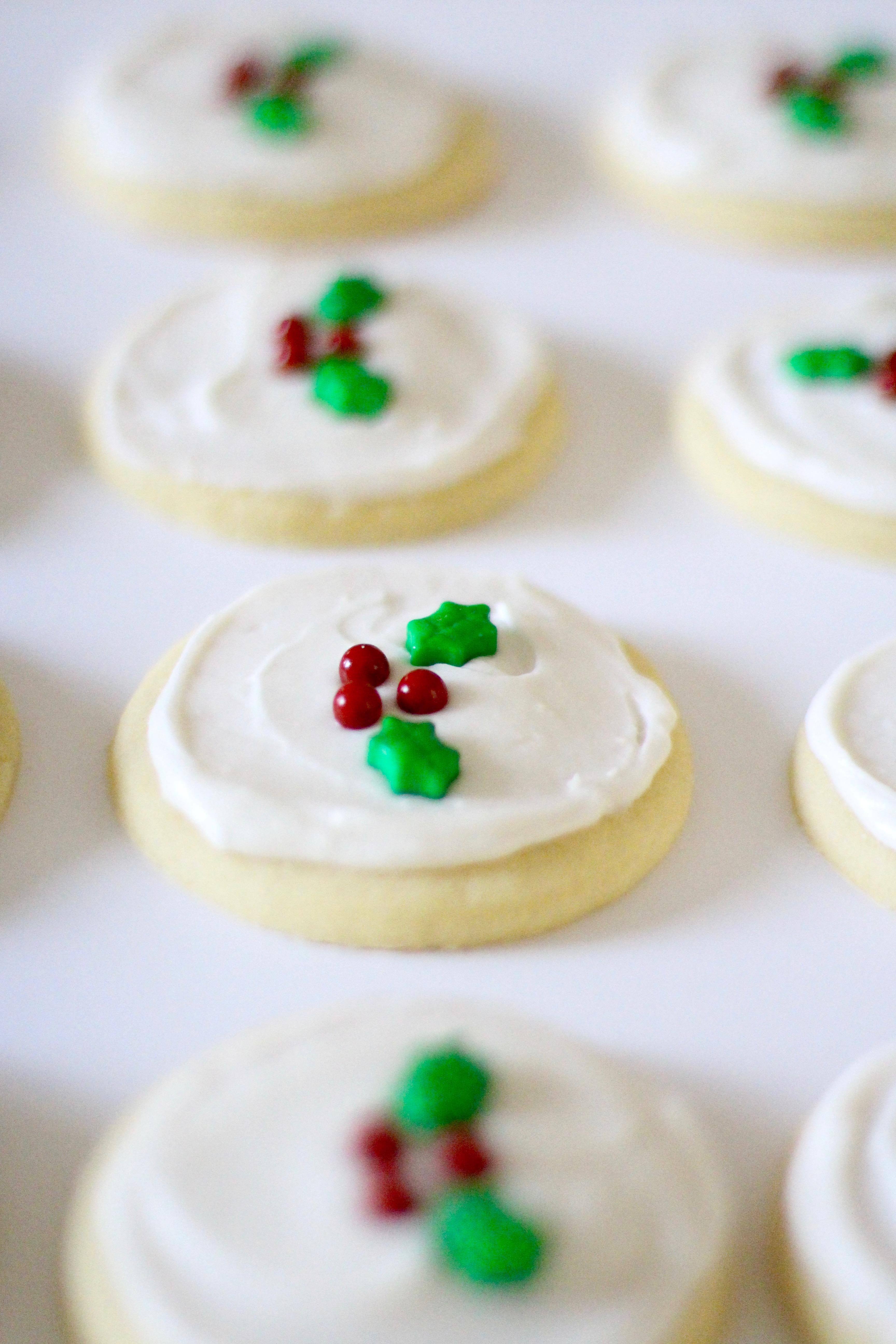 Holly Holiday Sugar Cookies Fbcookieswap