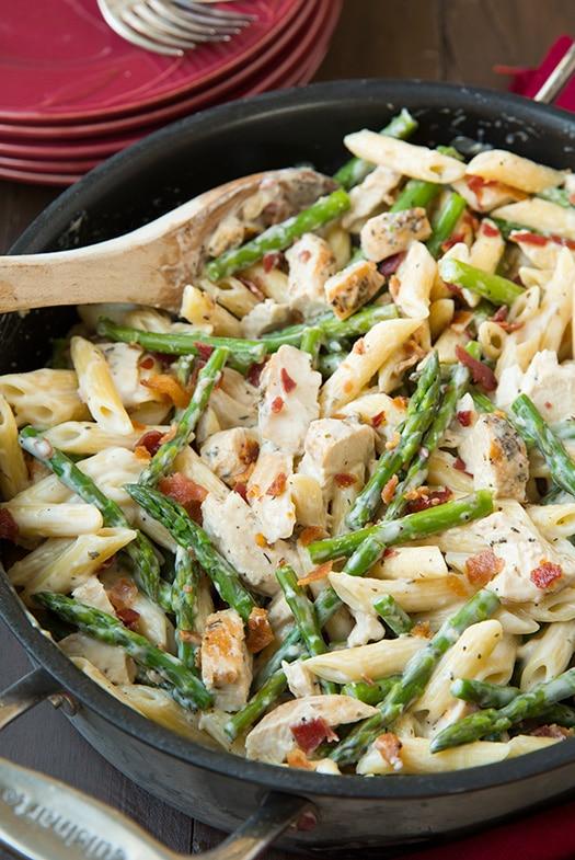 may-spring-dinner-recipes-creamy-chicken-asparagus-pasta