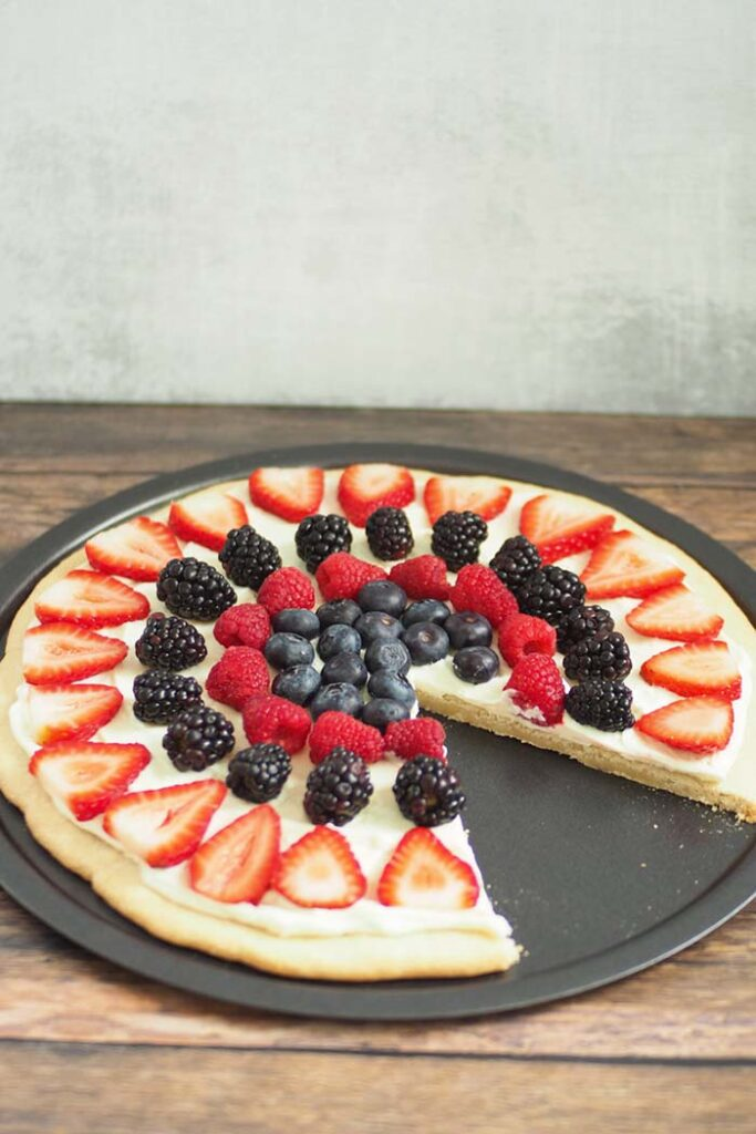 4th of July Fruit Pizza - 4th of July Snacks