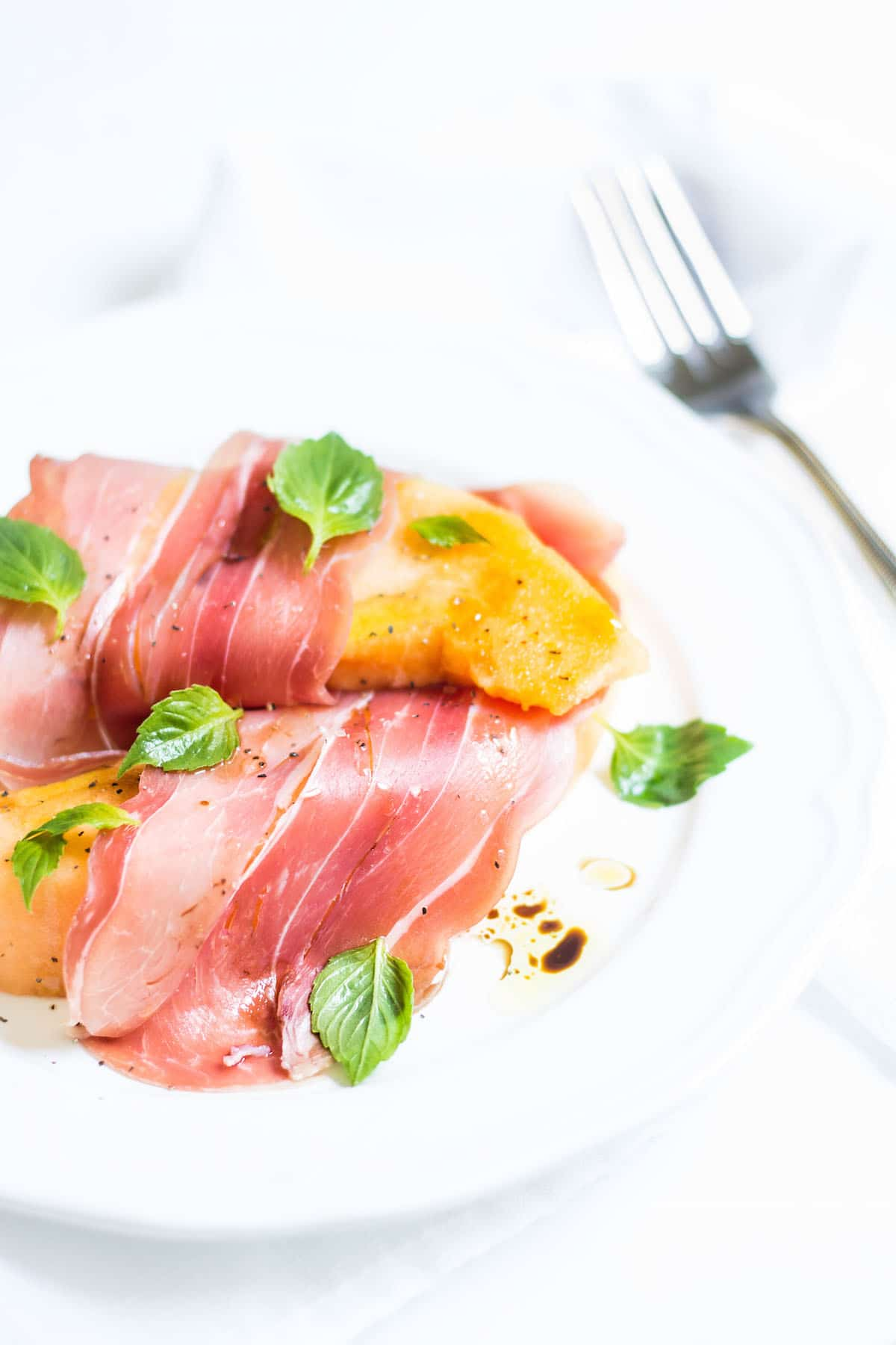 Healthy Summer Dinner Recipes - Prosciutto Melon Salad