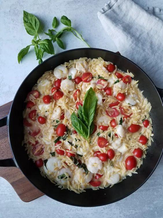 shrimp orzo with tomato mozzarella and basil
