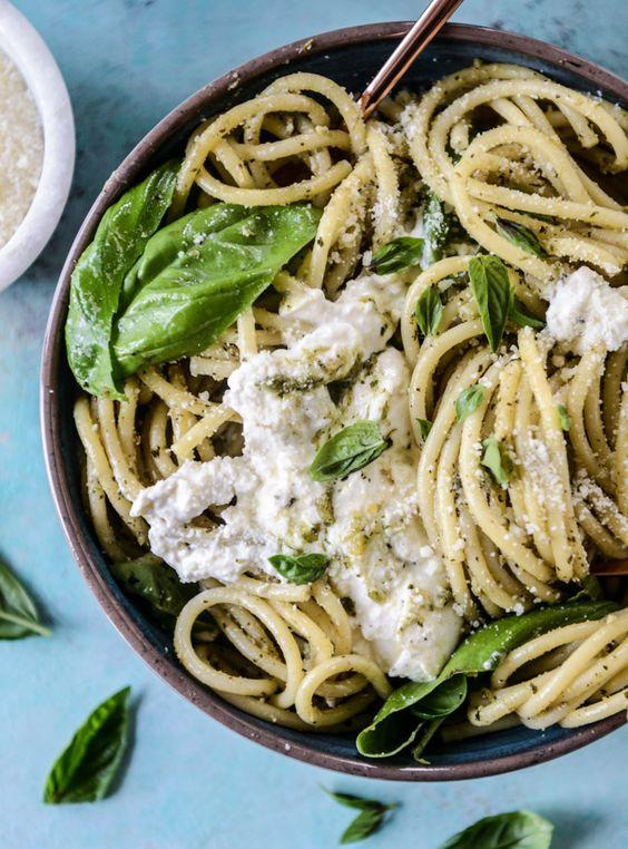 Fresh Summer DInner Recipes | Burrata Pesto Pasta