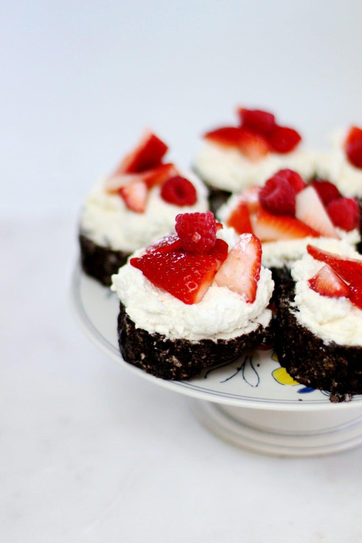Berry OREO® Ice Cream Cake Recipe Slices