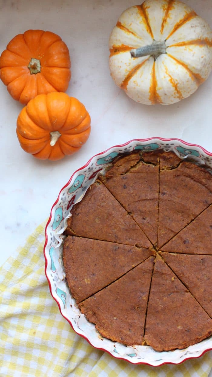 Gluten Free Sugar Free Pumpkin Pie Recipe cut into slices e1511067563724