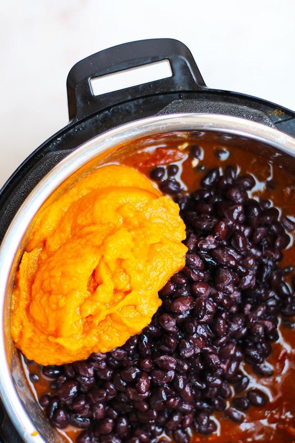 Vegetarian Pumpkin Puree Black Bean Chili Recipe