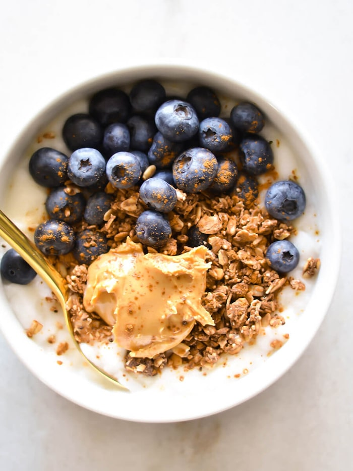 blueberry recipes- blueberry granole yogurt bowl