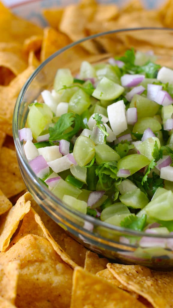 Grape Salsa with Chips