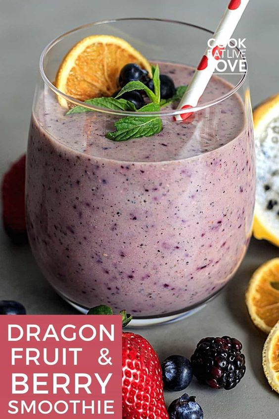 Dragon Fruit Spinach Smoothie