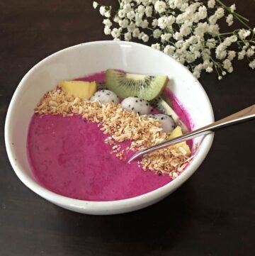 Pink Dragon Fruit Smoothie Bowl