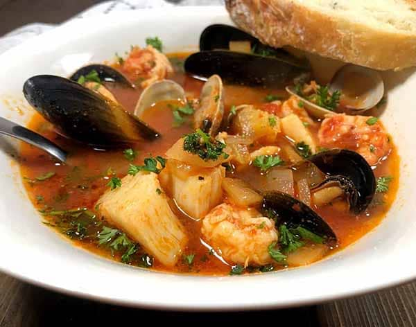 Easy-Cioppino-Seafood-Soup-Dutch-Oven-Soups