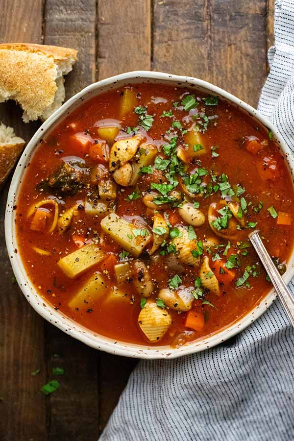 Hearty-Italian-Minestrone-Soup-Vegetarian-Dutch-Oven-Soups