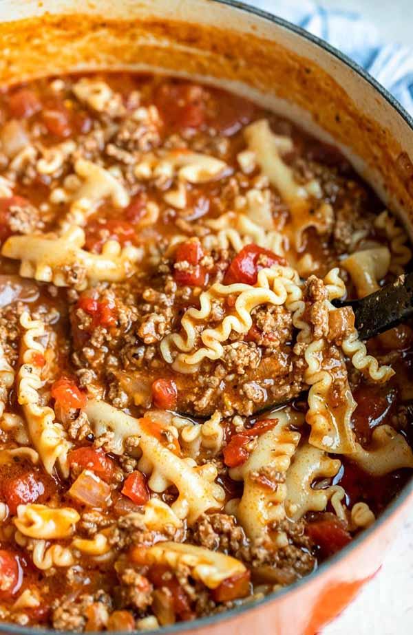 Lasagna-Soup-Dutch-Oven-Soups