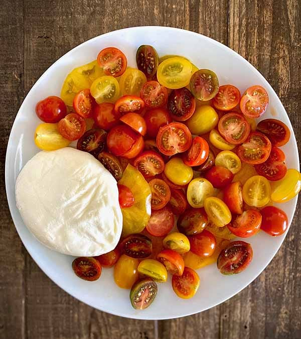 Tomato Burrata Salad | Burrata Recipes