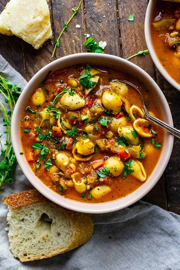 Vegetarian-Pasta-E-Fagioli-Vegetarian-Dutch-Oven-Soups