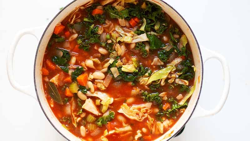 tuscan kale soup with white beans